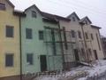 Продається будинок типу таунхаус у новому житловому комплексі.